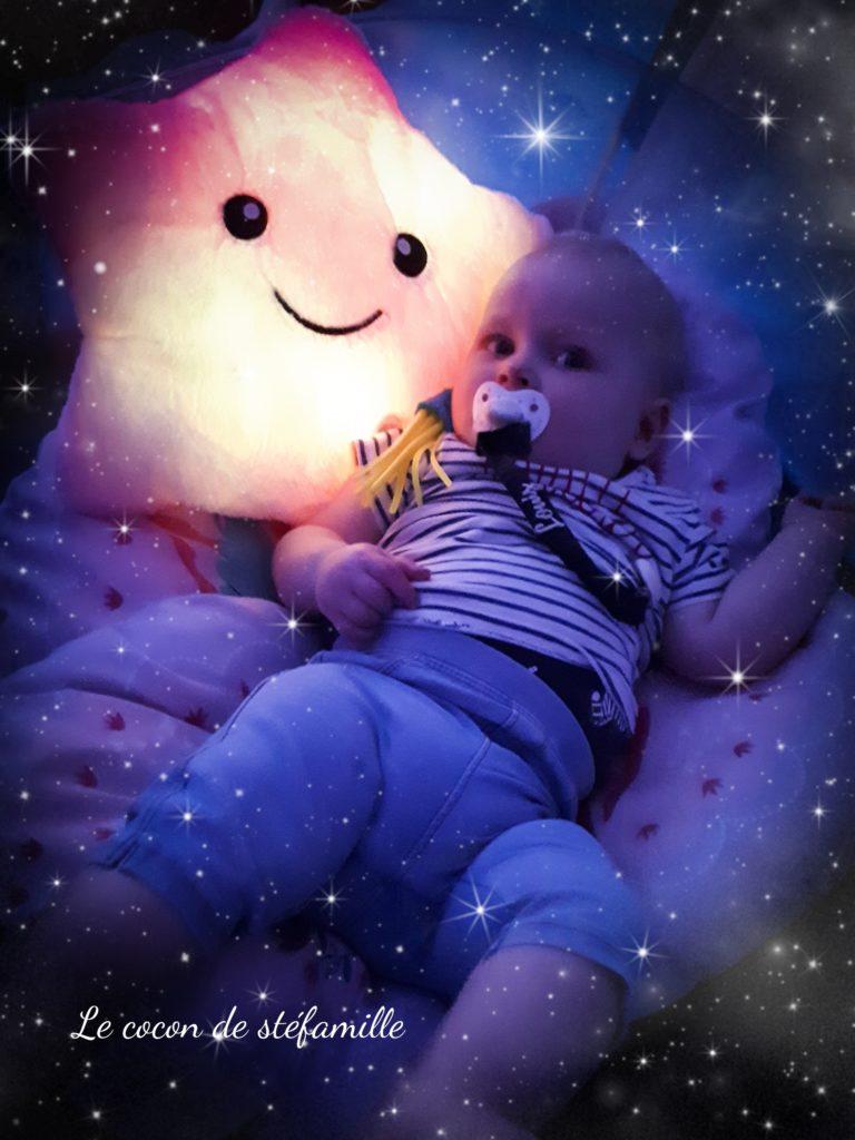 ateliers bébé, atelier parents enfant, ateliers parent bébé, snoezelen, salle sensorielle, éveil sensoriel, éveil bébé, ateliers Bruxelles, wemmel, 5 sens, le cocon de stéfamille